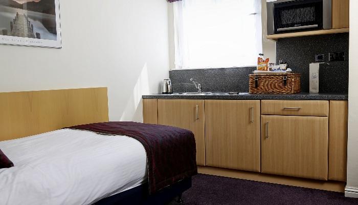 summerhill-hotel-bedrooms-34-83536