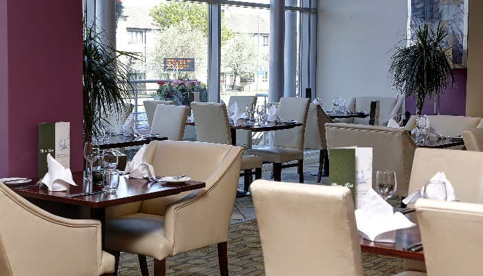 summerhill-hotel-dining-40-83536