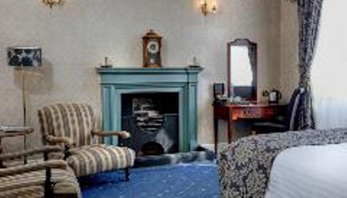 Room 4 fireplace c