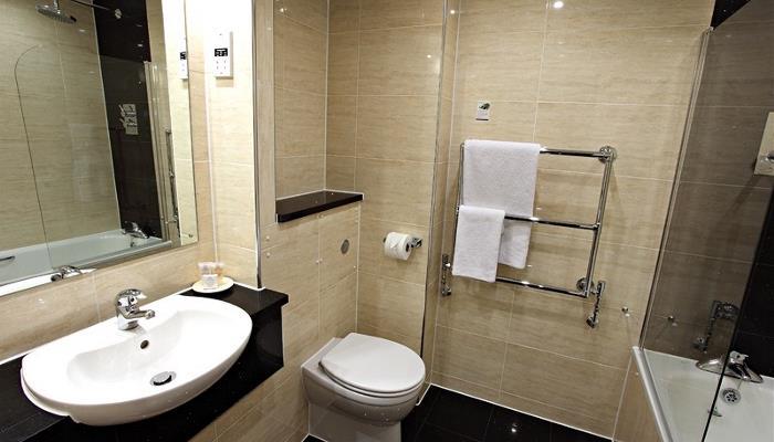 Refurbished Superior Bathroom (1)_800x533