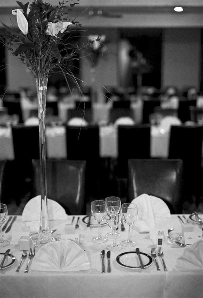 Black white dining room wedding layout_690x1014