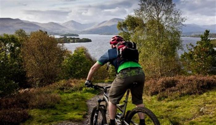 phoca_thumb_l_Cycling at Loch Lomond_608x355
