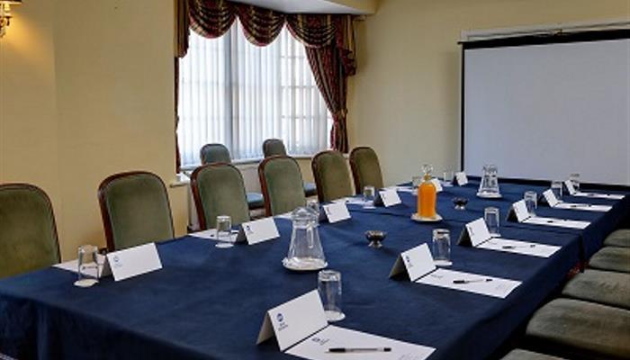 crown-hotel-meeting-space-Marston- 04-83682