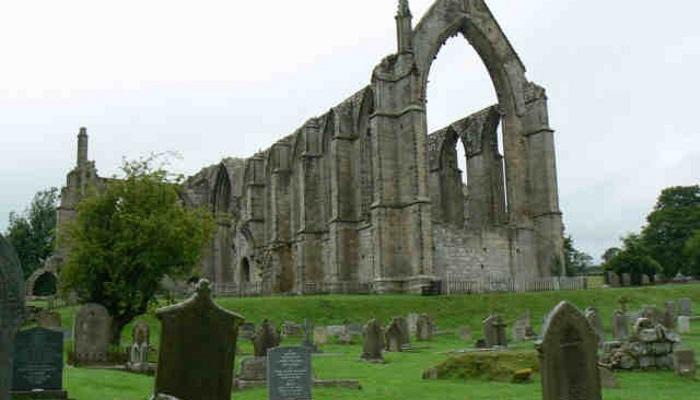 bolton-abbey_640x427
