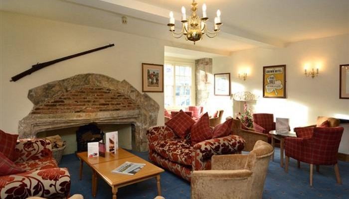 Lounge-Crown-Hotel-Boroughbridge_608x355