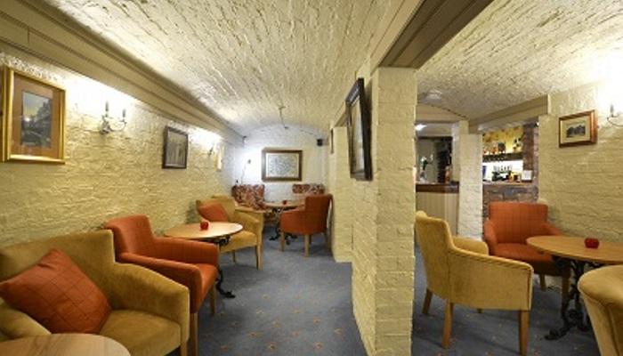 Kilima Hotel York Bar Lounge DSC_8866