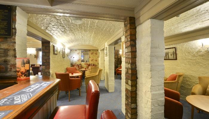 Kilima Hotel Bar DSC_8892