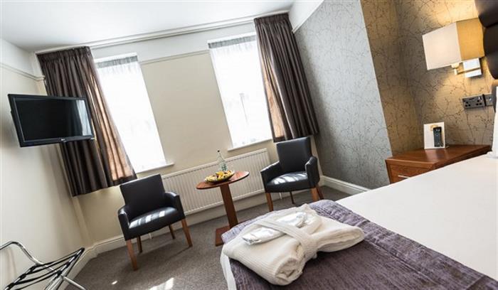 Lion Hotel - LR - by Jan Sedlacek - www_608x355.digitlightphotogr10 (1)_608x355