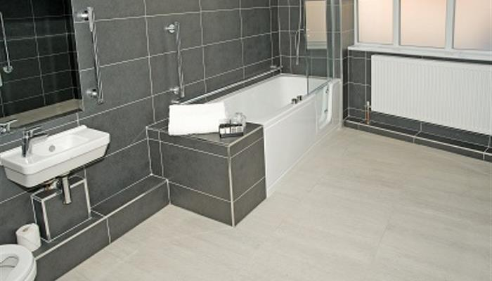 bathroom-ground-floor-2