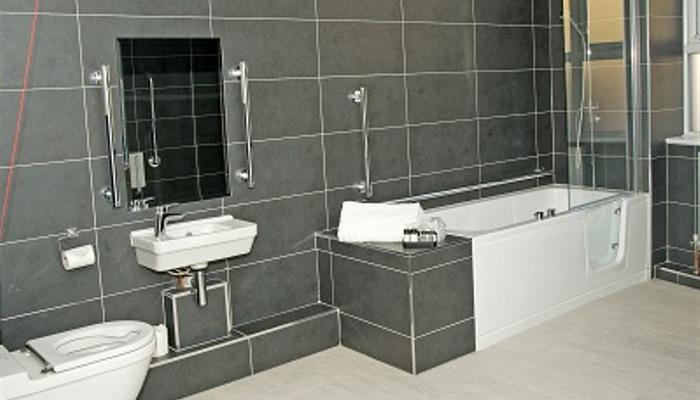 bathroom-ground-floor