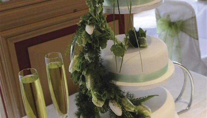Wedding Cake_608x355